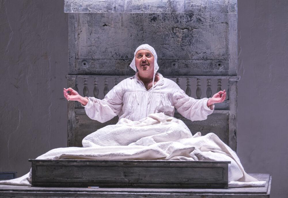 Opera North's Gianni Schicchi3